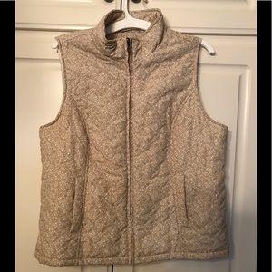 ❤️ BOGO 50% off. Super cute slightly puffy vest